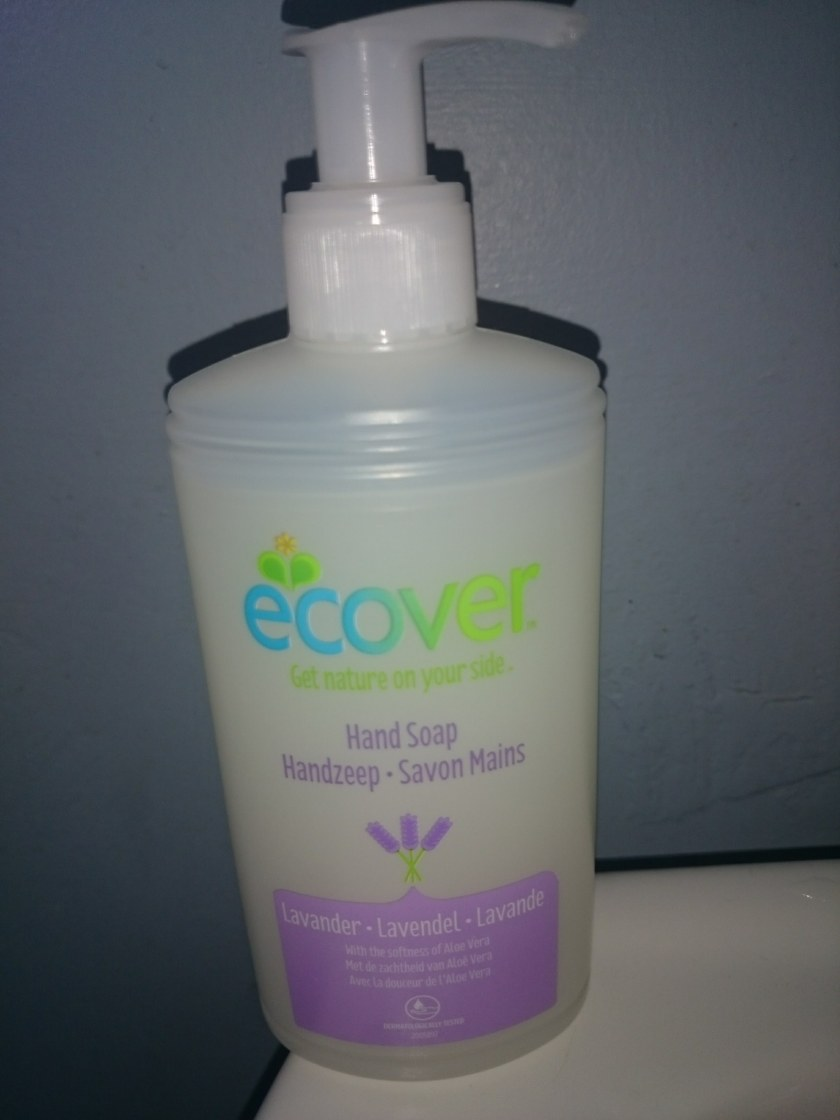 HAND CARE the NATURAL WAY! Looking after your hands by washing them the non-chemical way! ecover handwash. review at www.helensjourney.com