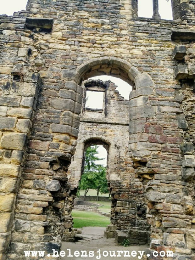 Review of Kirkstall Abbey, Leeds, Yorkshire, UK. A free day out for all ages and abilities
